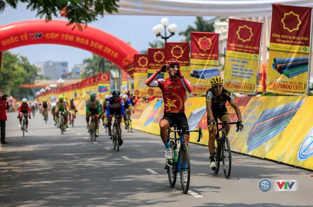 Chặng 7 Giải xe đạp quốc tế VTV - Cúp Tôn Hoa Sen 2016: Huỳnh Thanh Tùng (QK 7) về nhất chặng - Ảnh 2.