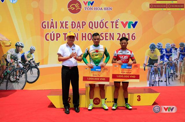 Ảnh: Khoảnh khắc ấn tượng chặng 7 Giải xe đạp quốc tế VTV - Cúp Tôn Hoa Sen 2016 - Ảnh 16.