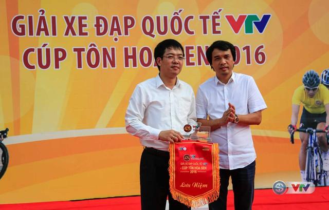 Ảnh: Khoảnh khắc ấn tượng chặng 8 Giải xe đạp quốc tế VTV Cúp – Tôn Hoa Sen 2016  - Ảnh 1.