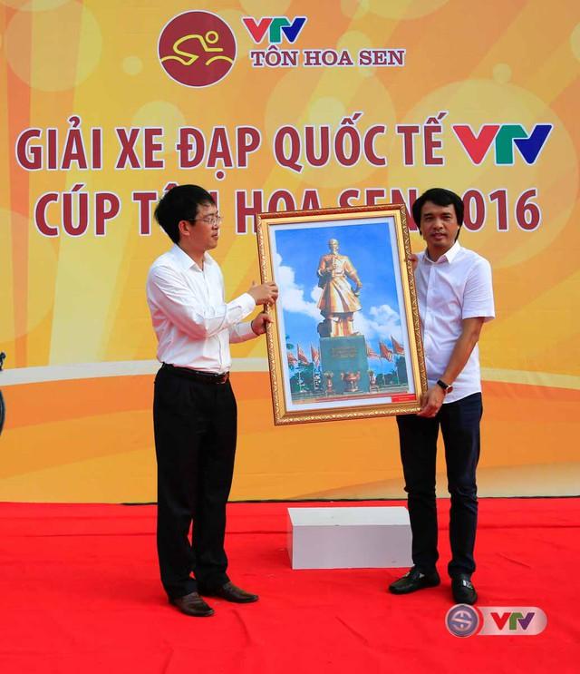 Ảnh: Khoảnh khắc ấn tượng chặng 8 Giải xe đạp quốc tế VTV Cúp – Tôn Hoa Sen 2016  - Ảnh 2.