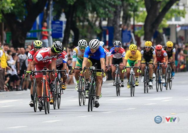 Ảnh: Những khoảnh khắc đẹp chặng 10 Giải xe đạp quốc tế VTV - Cúp Tôn Hoa Sen 2016 - Ảnh 6.