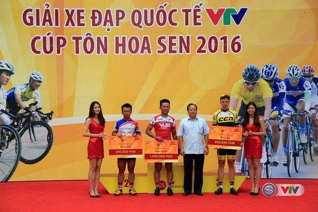 Ảnh: Những khoảnh khắc đẹp chặng 10 Giải xe đạp quốc tế VTV - Cúp Tôn Hoa Sen 2016 - Ảnh 10.