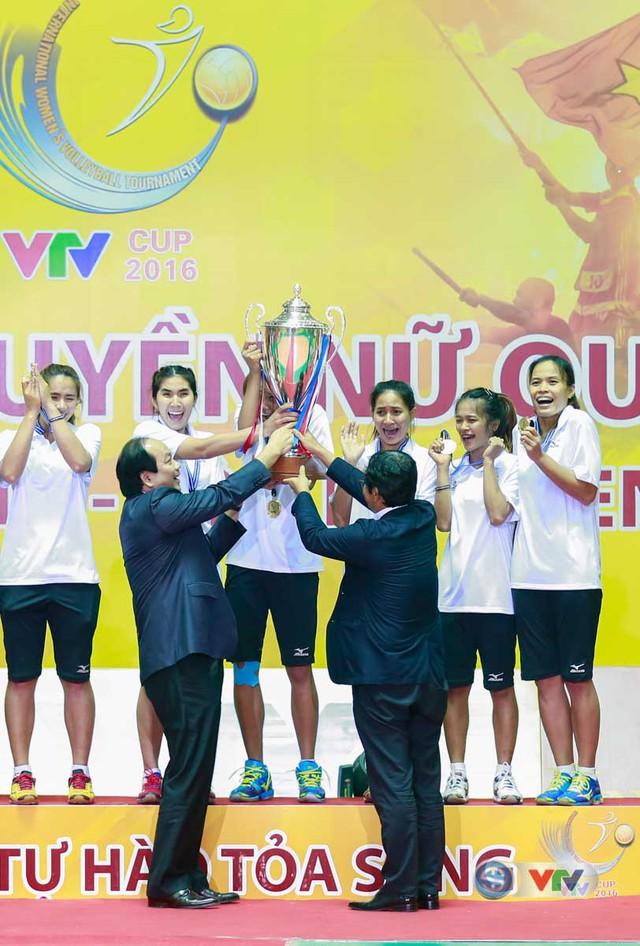 Ảnh: Những khoảnh khắc ấn tượng trong Lễ bế mạc VTV Cup 2016 - Tôn Hoa Sen - Ảnh 15.