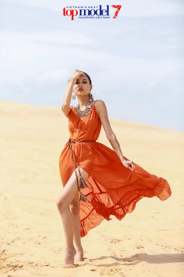 Chân dài Next Top Model 2016 nóng bỏng trên đồi cát Phan Thiết - Ảnh 6.