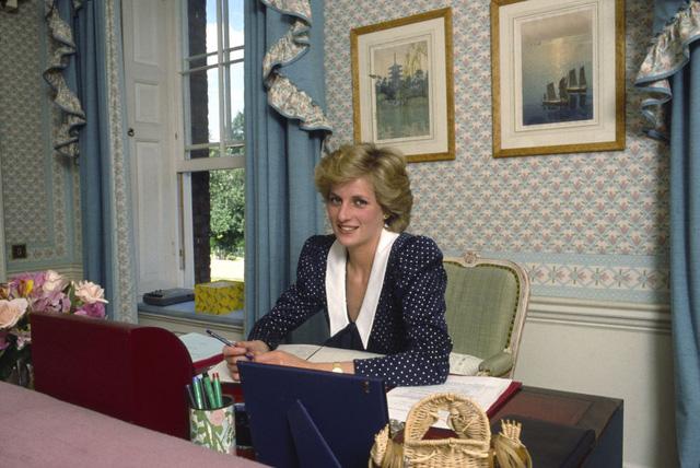 Những bức ảnh rất đẹp về Công nương Diana mà bạn có thể chưa biết - Ảnh 6.