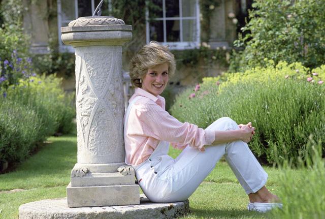 Những bức ảnh rất đẹp về Công nương Diana mà bạn có thể chưa biết - Ảnh 5.