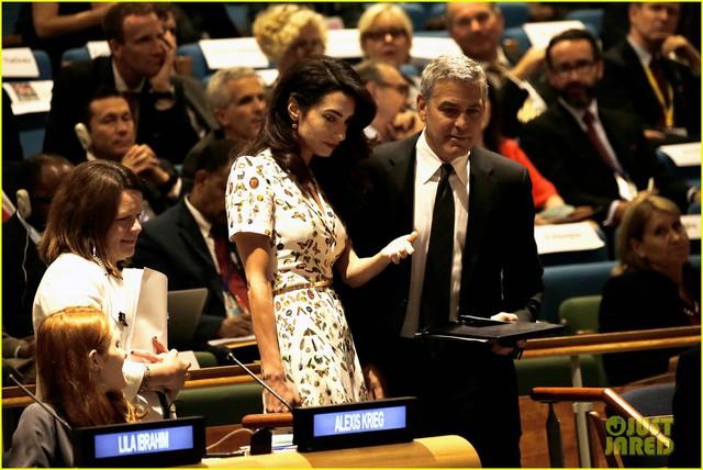 Georger Clooney sốc khi nghe tin ly dị của Jolie Pitt từ CNN - Ảnh 2.