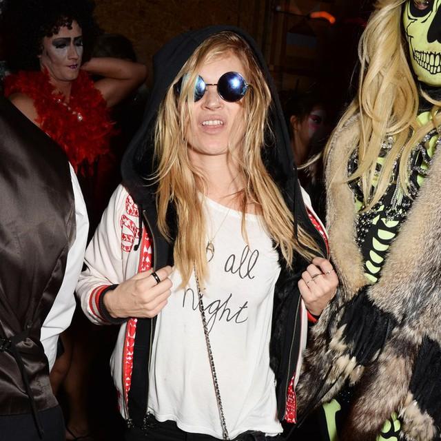 Sao Hollywood biến hóa đầy kinh dị qua trang phục Halloween - Ảnh 10.