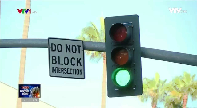 Ùn tắc giao thông ở các ngã tư - Chuyện hiếm tại Mỹ - Ảnh 2.