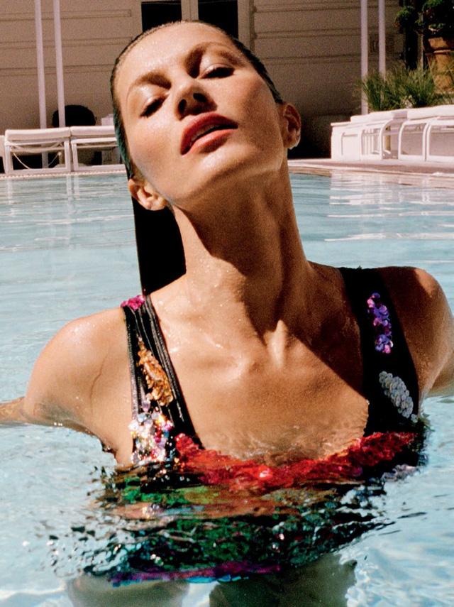 Gisele Bundchen tươi trẻ trên Vogue Brasil - Ảnh 2.