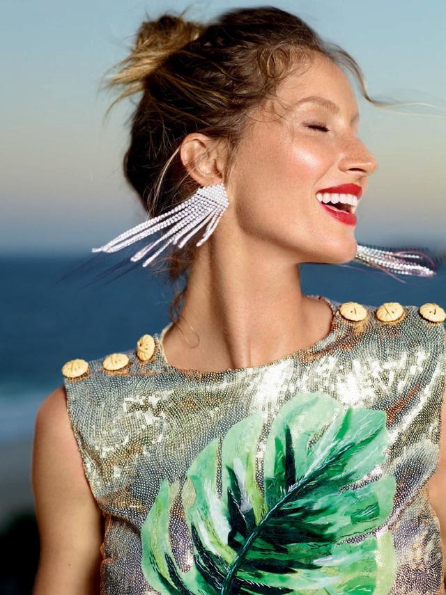 Gisele Bundchen tươi trẻ trên Vogue Brasil - Ảnh 6.