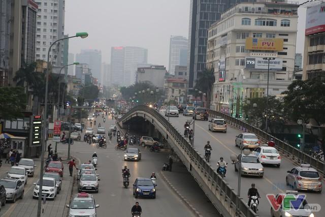 Hà Nội khang trang, hiện đại sau 62 năm giải phóng Thủ đô - Ảnh 1.