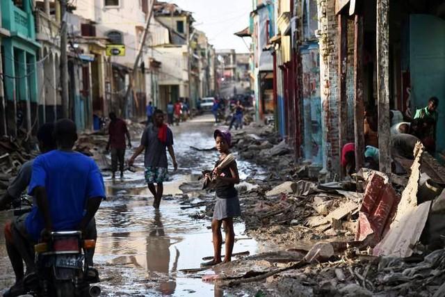 WHO chuyển 1 triệu liều vaccine chống bệnh tả tới Haiti - Ảnh 3.