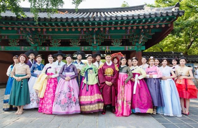 Khúc biến tấu của trang phục Hanbok truyền thống - Ảnh 4.