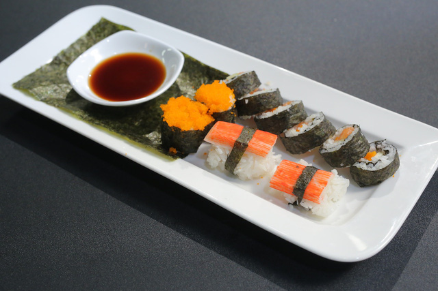 Vua đầu bếp nhí: Tự tin với món sushi, công chúa thỏ vẫn bị loại - Ảnh 7.