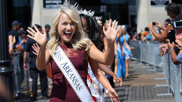 Cận cảnh nhan sắc cô gái 21 tuổi đăng quang Hoa hậu Mỹ - Ảnh 11.