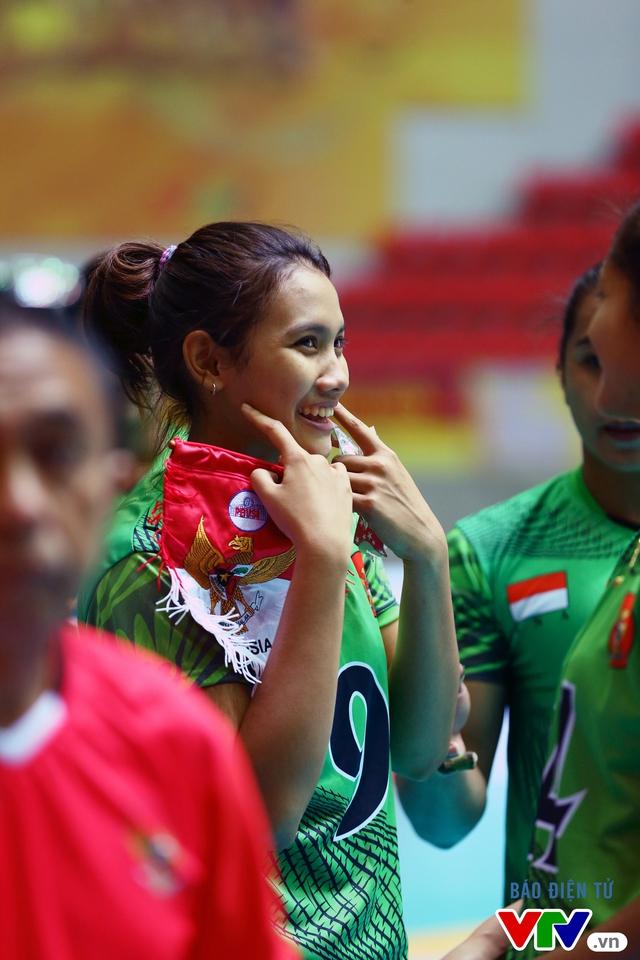 Chiêm ngưỡng vẻ đẹp của nữ VĐV Indonesia đoạt danh hiệu Hoa khôi VTV Cup 2016 - Ảnh 9.