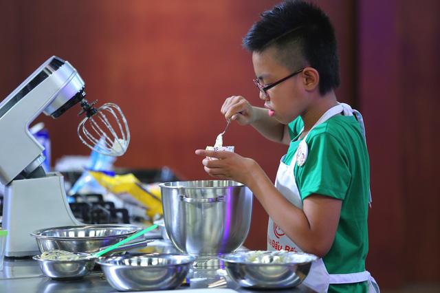 Vua đầu bếp nhí: Công chúa bánh thống trị gian bếp với món sở trường - Ảnh 9.