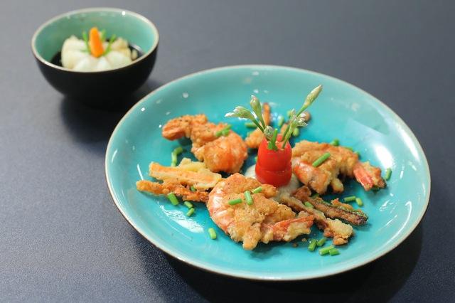 Vua đầu bếp nhí: Tự tin với món sushi, công chúa thỏ vẫn bị loại - Ảnh 10.