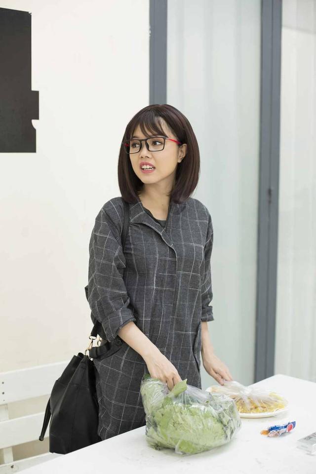 Hé lộ hình ảnh hậu trường sitcom mới Xin chào ông chủ - Ảnh 6.