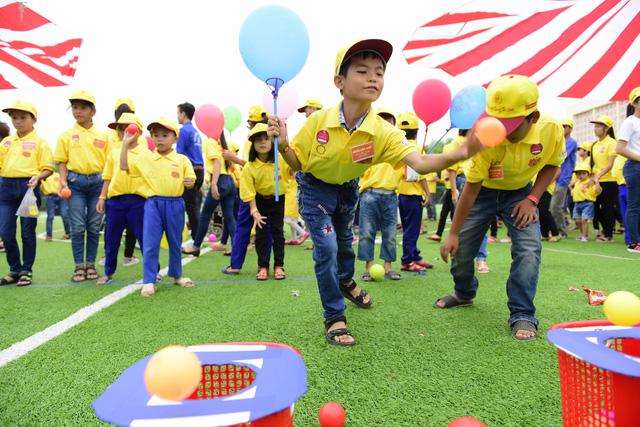 Mái ấm gia đình Việt mang Trung thu đến với trẻ em nghèo - Ảnh 1.