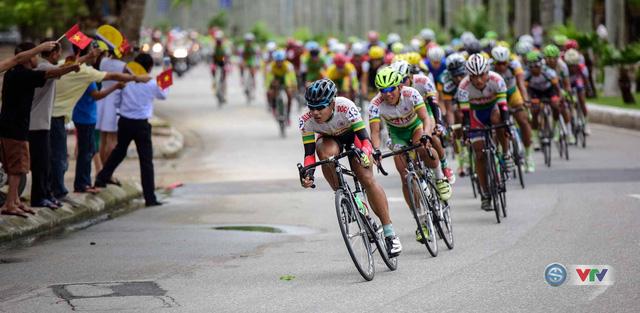 Ảnh: Khoảnh khắc ấn tượng chặng 8 Giải xe đạp quốc tế VTV Cúp – Tôn Hoa Sen 2016  - Ảnh 11.