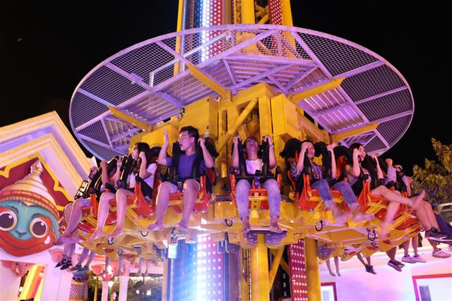 Trải nghiệm tháp rơi tự do cao nhất Việt Nam tại Đà Nẵng - Ảnh 5.