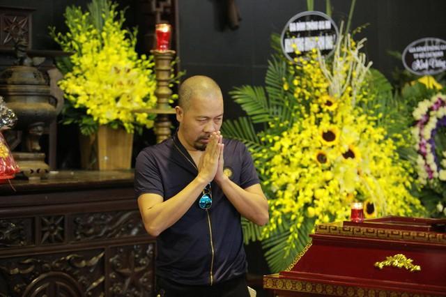 Rơi nước mắt với hình ảnh trong đám tang Phạm Bằng - Ảnh 8.