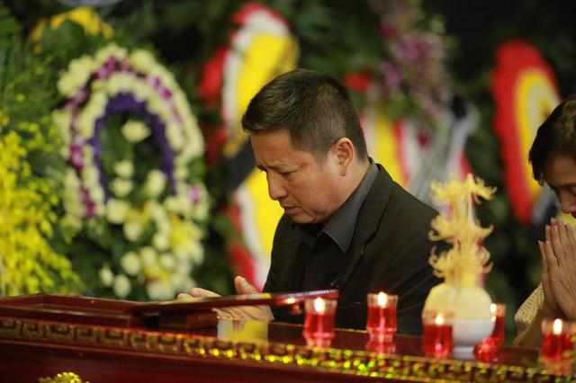 Rơi nước mắt với hình ảnh trong đám tang Phạm Bằng - Ảnh 13.