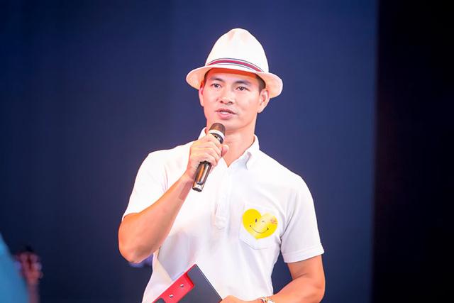 Đêm nhạc ca sĩ Ngọc Anh 3A quyên 400 triệu cho trẻ em dị tật - Ảnh 1.