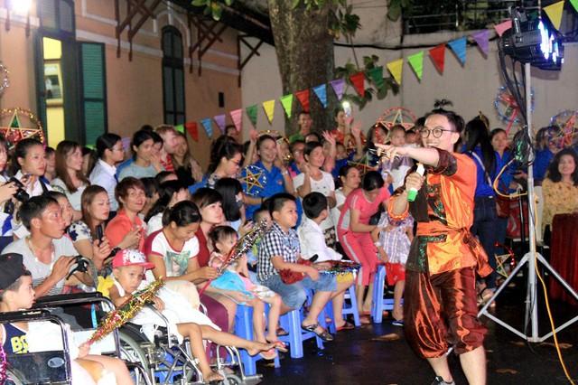 Đoàn Thanh niên VTV mang Trung thu tới các em nhỏ tại nhiều bệnh viện ở Hà Nội - Ảnh 5.