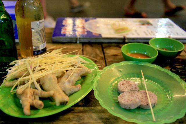 Khám phá thiên đường ẩm thực xung quanh phố đi bộ Hồ Hoàn Kiếm - Ảnh 2.