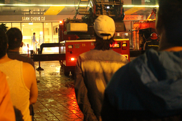 Cháy chung cư ở Linh Đàm: Có thể do sơ xuất khi thắp hương - Ảnh 3.