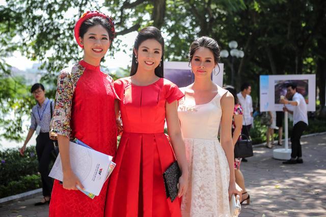 Việt Nam hiện lên đầy cuốn hút qua triển lãm ảnh Nụ cười Việt Nam - Ảnh 2.