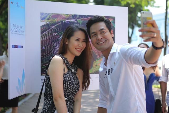Việt Nam hiện lên đầy cuốn hút qua triển lãm ảnh Nụ cười Việt Nam - Ảnh 3.