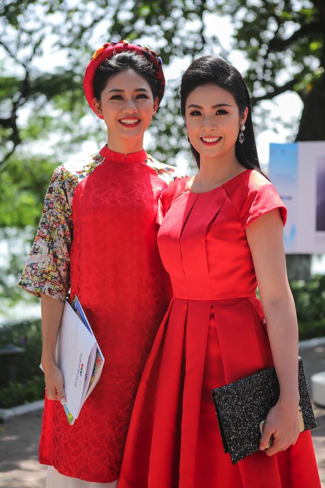 Việt Nam hiện lên đầy cuốn hút qua triển lãm ảnh Nụ cười Việt Nam - Ảnh 4.