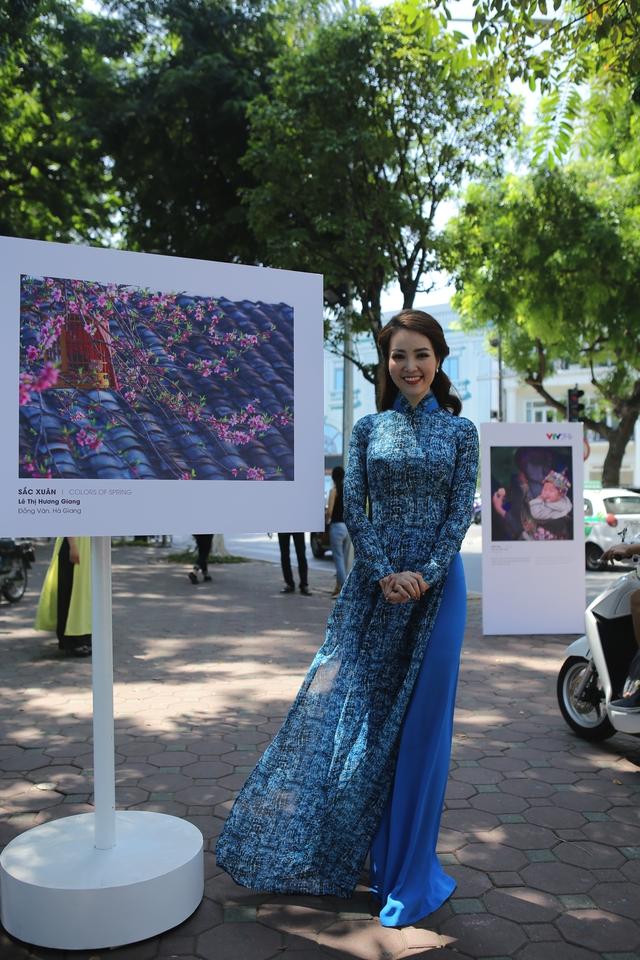 Việt Nam hiện lên đầy cuốn hút qua triển lãm ảnh Nụ cười Việt Nam - Ảnh 11.