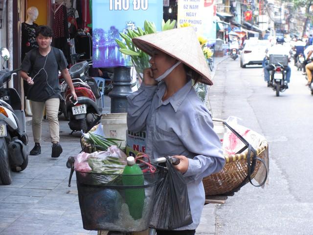 Hà Nội và những gánh hàng rong trên phố - Ảnh 19.