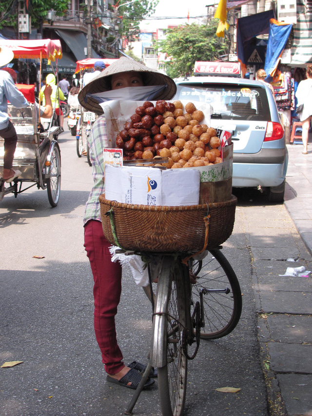 Hà Nội và những gánh hàng rong trên phố - Ảnh 20.
