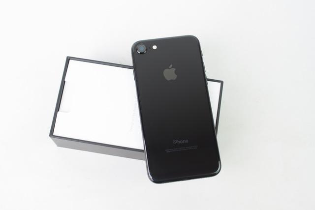 Trên tay iPhone 7 Jet Black, giá hơn 30 triệu VNĐ - Ảnh 2.
