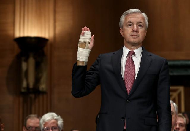 Giám đốc điều hành Wells Fargo thừa nhận gian dối - Ảnh 1.