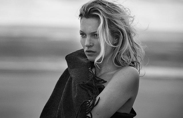 Kate Moss: Vẫn hoang dã và ngỗ ngược - Ảnh 4.