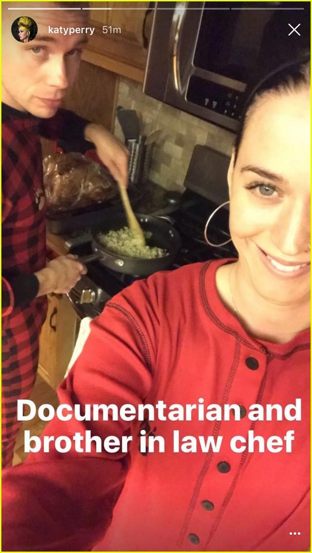 Đón Lễ tạ ơn cùng nhau, Orlando Bloom - Katy Perry xóa tan tin đồn tan vỡ - Ảnh 2.