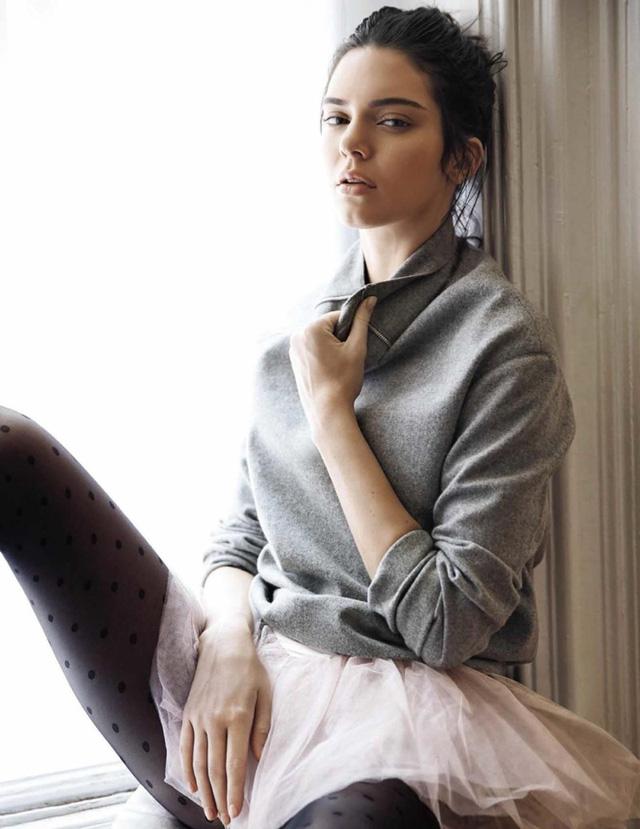 Kendall Jenner khoe eo thon, dáng chuẩn trong bộ ảnh vũ công - Ảnh 10.