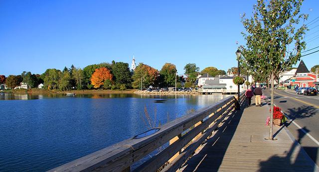 10 thị trấn ở Mỹ nên lui tới khi mùa thu gõ cửa - Ảnh 2.
