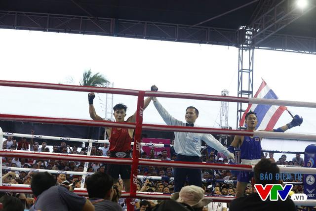 Người dân Đà Nẵng quây kín sàn đấu Muay tại Đại hội thể thao bãi biển châu Á - Ảnh 8.