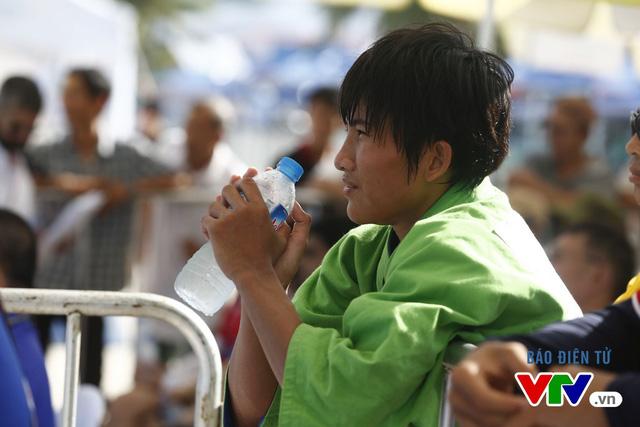Người dân Đà Nẵng quây kín sàn đấu Muay tại Đại hội thể thao bãi biển châu Á - Ảnh 13.
