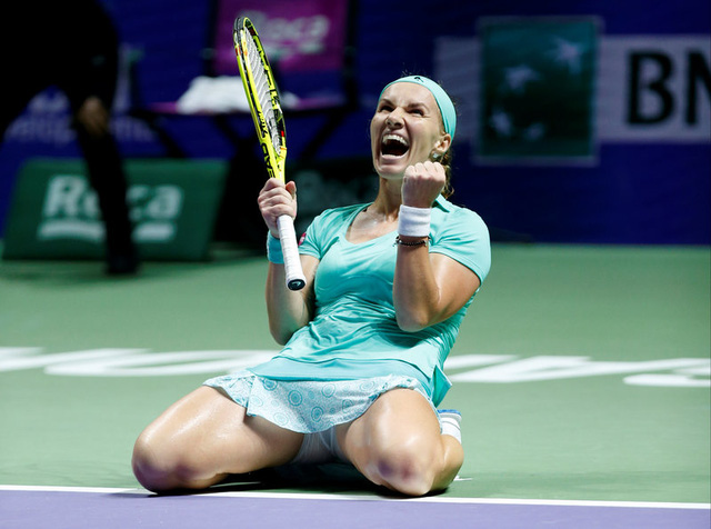 WTA Finals bảng trắng: Kuznetsova giành vé vào bán kết - Ảnh 2.