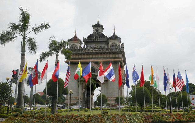 Hội nghị cấp cao ASEAN - Điểm nóng báo chí tuần qua - Ảnh 2.