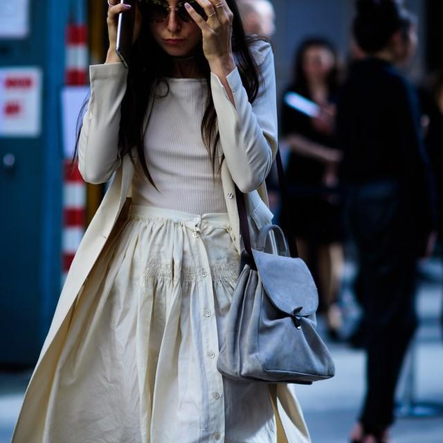 Săm soi áo khoác Thu - Đông cá tính ở Tuần lễ thời trang Paris - Ảnh 7.